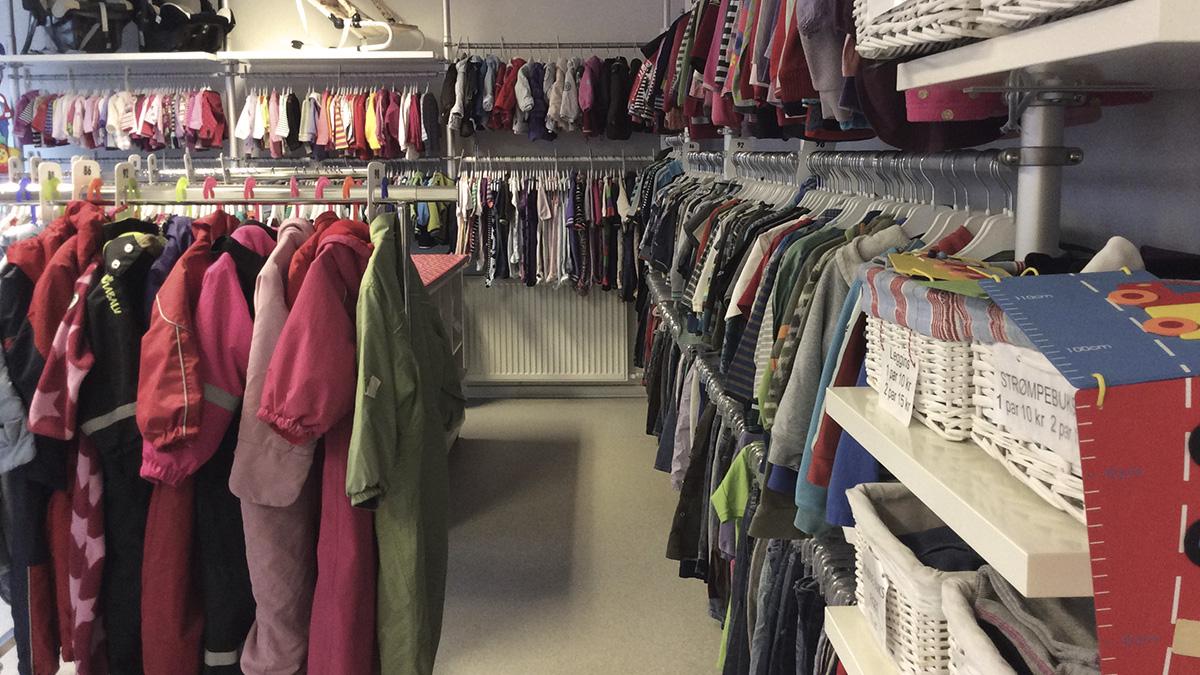 Moedrehjaelpens_boernetoejsbutik_i_Horsens
