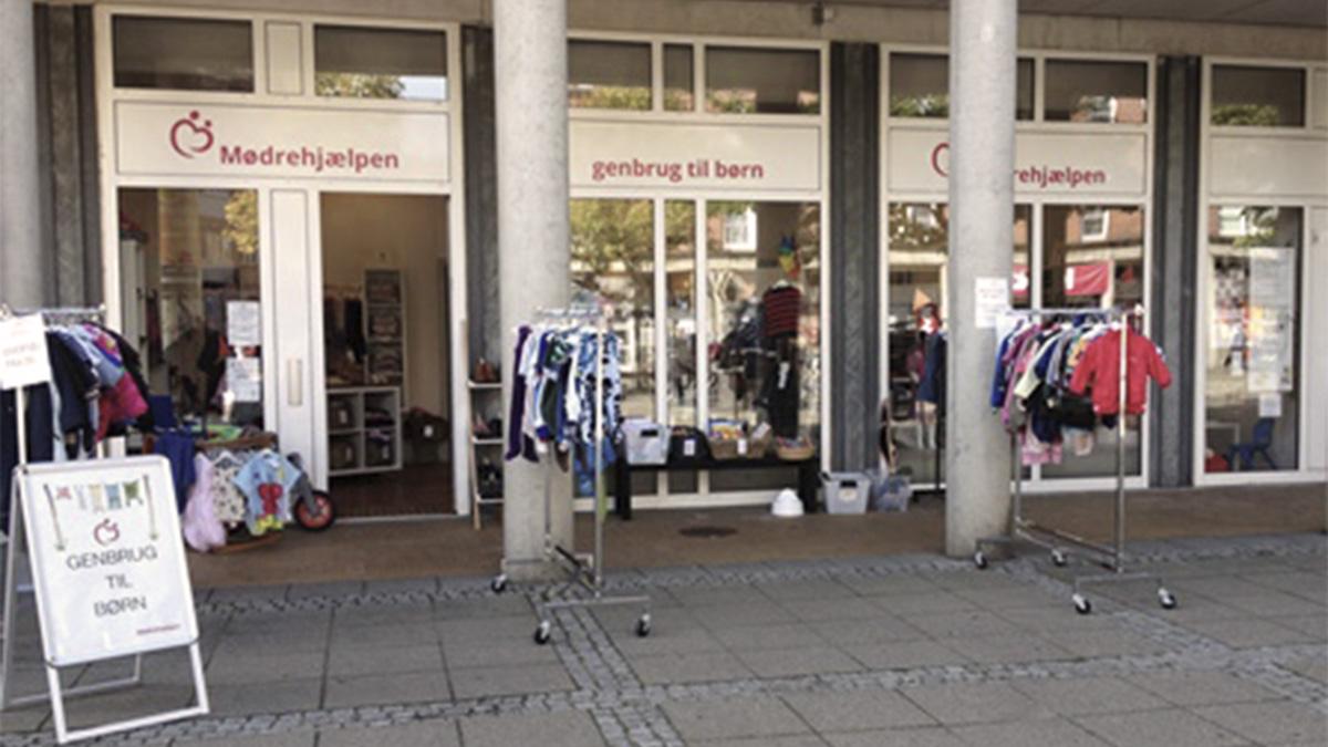 Moedrehjaelpens_boernetoejsbutik_i_Odense